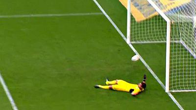 Casillas encaja su primer gol con el Oporto