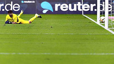 Iker Casillas, portero del Oporto y exfutbolista del Real Madrid, jugó los 90 minutos y encajó dos goles en la primera derrota de su equipo en pretemporada ante el Borussia Mönchengladbach, en un encuentro amistoso que dominó el equipo portugués en s