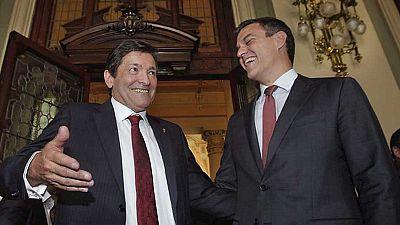 El socialista Javier Fernández toma posesión en su segunda legislatura como presidente