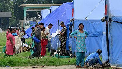 Miles de nepalíes siguen sin hogar y un millón de niños sin escolarizar tres meses después del terremoto