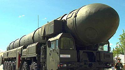 Rusia vuelve a mostrar parte de su poderío militar en el día de la armada en San Petersburgo