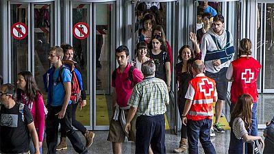 Los pasajeros del autobús accidentado en Lille regresan a España