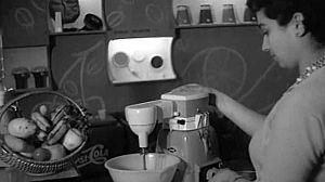 NO-DO (1961)