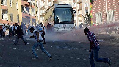 Turquía mantiene una intensa campaña de bombardeos contra el PKK