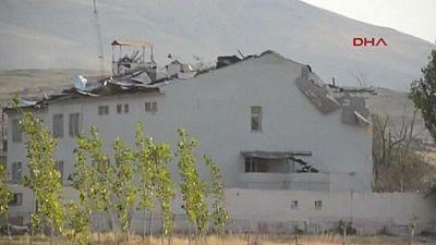 Dos militares turcos han muerto y otros 24 han resultado heridos