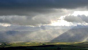 Chubascos y tormentas en Navarra y norte de Aragón