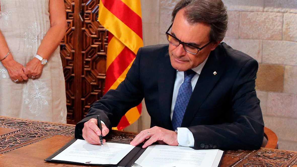 Mas firma el decreto para convocar las elecciones catalanas del 27 de septiembre