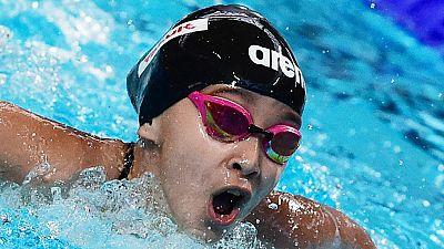 La nadadora de 10 años Alzain Tareq asombra y genera controversia en el Mundial