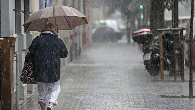 Las tormentas provocan lluvias muy fuertes en la comunidad valenciana