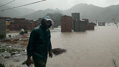 El tifón Soudelor deja varios muertos a su paso por China