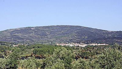 El 90% del término municipal de Hoyos ha quedado arrasado por el fuego