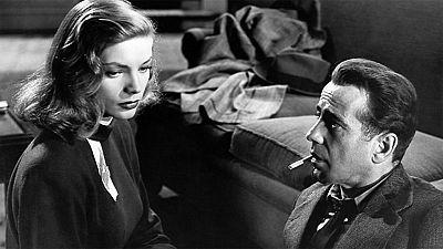 """Recordamos la pel�cula """"El sue�o eterno"""" con motivo del primer aniversario de la muerte de su inolvidable protagonista, Lauren Bacall."""