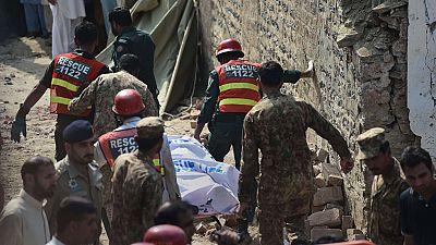 Muere un ministro regional y otras 11 personas en un ataque suicida en Pakistán
