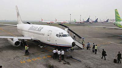 Un avión comercial con 54 personas a bordo ha desaparecido en Indonesia