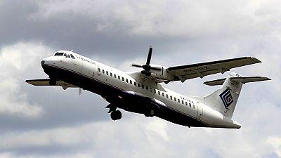 Hallan restos del avión indonesio desaparecido en la región de Papúa