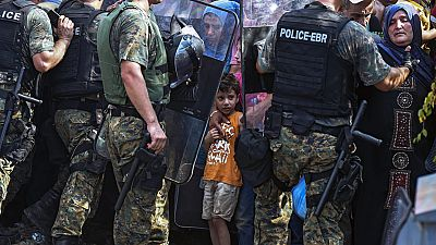 El gobierno macedonio dejará pasar 300 migrantes cada dos horas