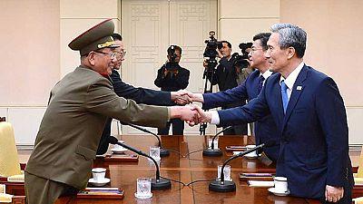 Representantes de las dos Coreas se reúnen para buscar una solución a la escalada militar