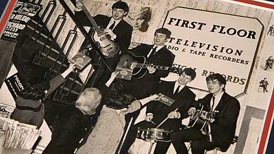 Subastan más de 300 objetos de los Beatles