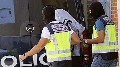 Detenidos 14 presuntos miembros de una red que captaba yihadistas para el Estado Islámico