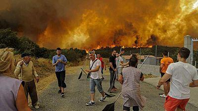 Un incendio en Cualedro ha quemado ya unas 2.000 hectáreas