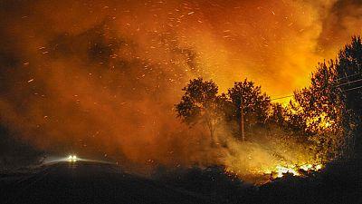 Estabilizado el incendio en Cualedro, Ourense, que ha quemado más de 3.000 hectáreas