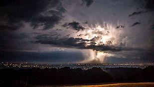 Cielos nubosos en la Península con riesgo de tormentas en el norte de Cataluña