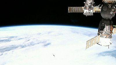 Regresan a la Tierra tres astronautas desde la Estación Espacial Internacional