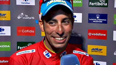 El italiano ha festejado su triunfo en la Vuelta y no ha querido desvelar si el a�o pr�ximo estar� en el Tour o en el Giro.