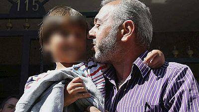 El refugiado sirio zancadilleado por una reportera y su familia comienzan una nueva vida en Getafe