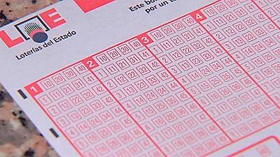 El lotero de A Coruña que encontró un boleto premiado con cinco millones lo cobrará si no aparece el ganador