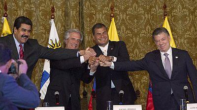 Santos y Maduro suavizan la crisis fronteriza y acuerdan el retorno de sus embajadores