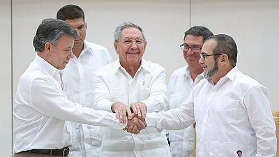 El gobierno de Colombia y las FARC negocian en La Habana y anuncian un acuerdo
