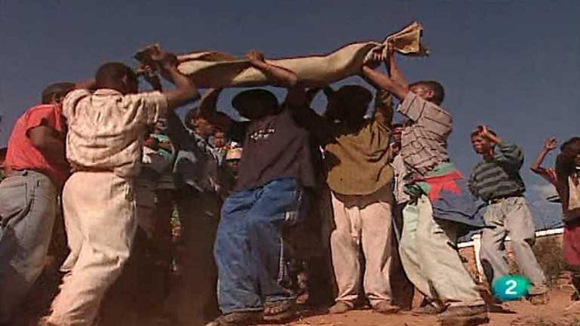 Otros pueblos - Madagascar I. Famadihana - Ver ahora