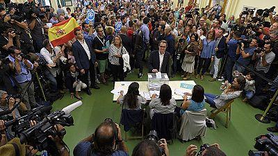 Candidatos y líderes políticos llaman a la participación tras votar en Cataluña
