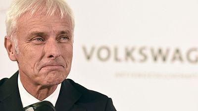 El nuevo presidente de Volkswagen asegura a sus empleados que aclarará el escándalo