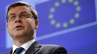 Bruselas aplaza el dictamen sobre los presupuestos espa�oles de 2016