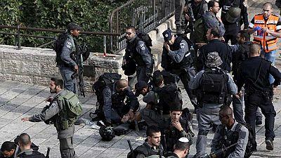 Dos policías israelíes apuñalados en la escalada de violencia entre Israel y Palestina