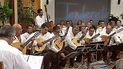 Tenderete - 11/10/2015 Con el grupo 'Facaracas' y solistas