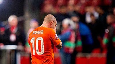 Sneijder se lamenta de la debacle de su selección.