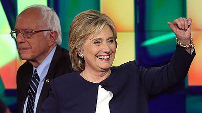 Hillary Clinton ha salido reforzada del primer debate entre los precandidatos demócratas a la Casa Blanca. Además, los principales rivales de la ex secretaria de Estado han renunciado a explotar la polémica sobre la utilización de su correo electróni