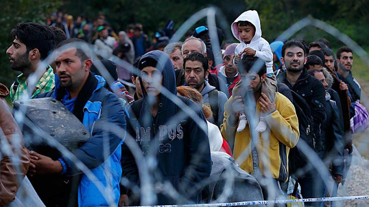 Hungría cierra la frontera con Croacia para frenar la llegada de refugiados
