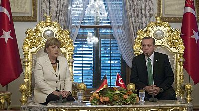 Alemania se compromete a acelerar la adhesión de Turquía a la UE para reducir la llegada de refugiados