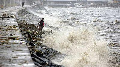 25.000 evacuados en Filipinas por el tifón Koppu