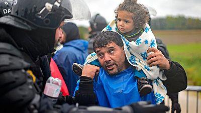 Croacia autoriza la entrada de miles de migrantes desde la frontera serbia