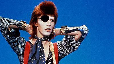 Fue informe - El hombre de las mil caras (David Bowie) (1990) - ver ahora
