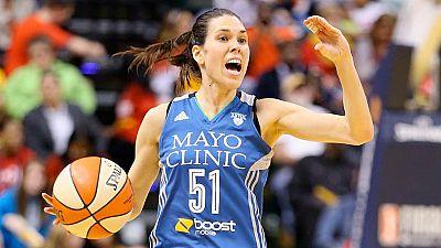 Anna Cruz sigue en una nube tras ganar el anillo WNBA