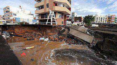Canarias sigue en alerta por las fuertes lluvias