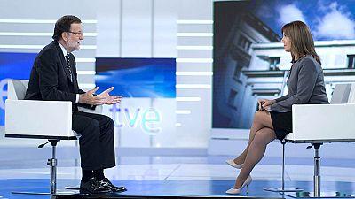 Rajoy no sabe si Aznar participará en la campaña