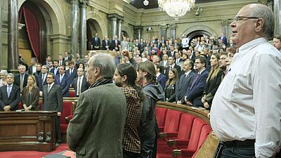 Ciutadanas, PSC y PPC logran dejar en suspenso la declaración independentista de JxS y la CUP
