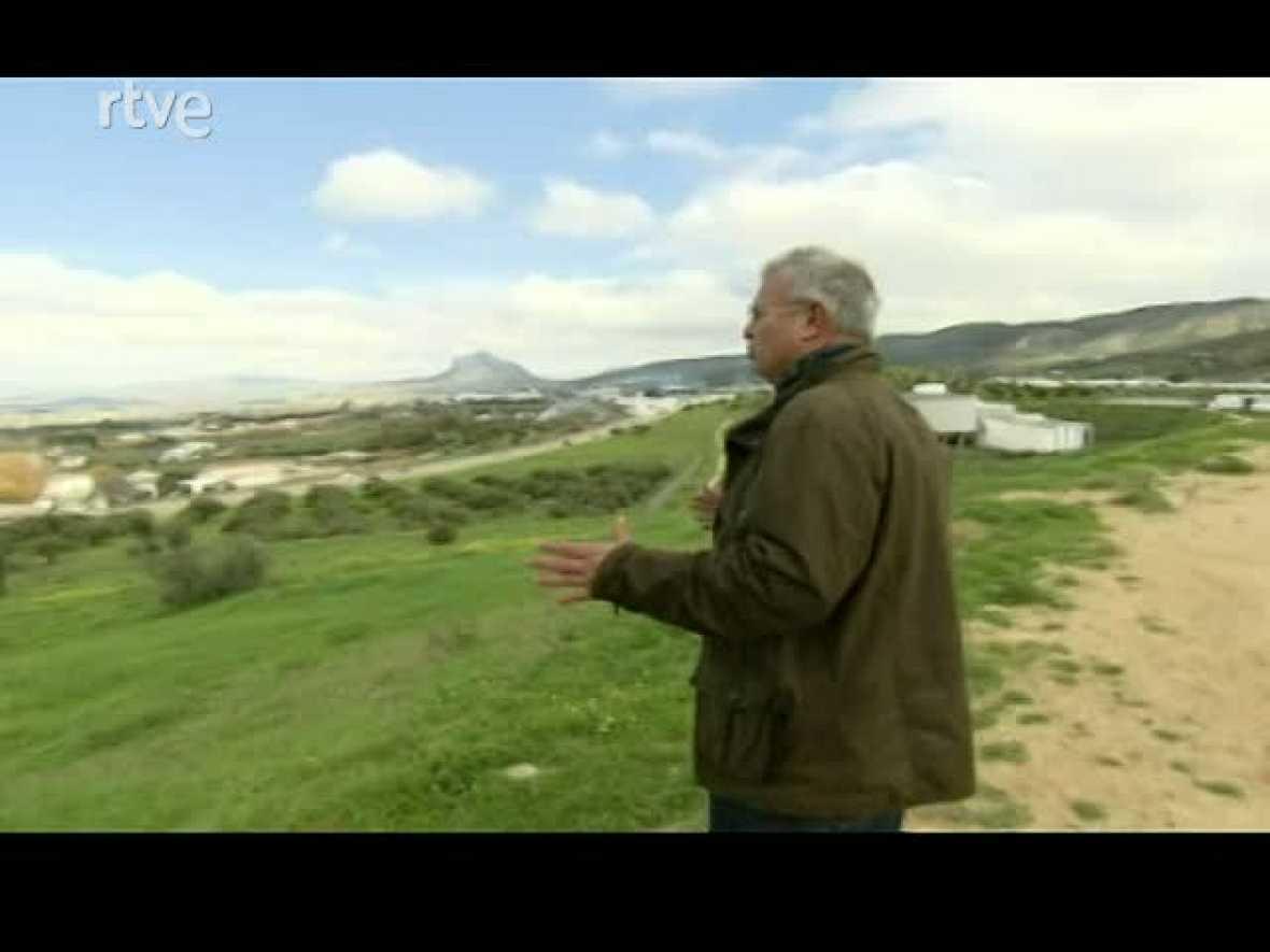 """La Aventura del Saber. Serie documental. """"El túnel del tiempo"""". Los Dólmenes de Antequera. Cueva de Menga"""
